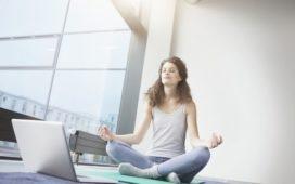 lezioni-yoga-online-casa-yoga-@-home-essere-benessere-alassio-free-gratuito-insegno-lucia-ragazzi