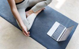 lezioni-yoga-online-casa-yoga-@-home-essere-benessere-alassio-free-gratuito-insegno-lucia ragazzi